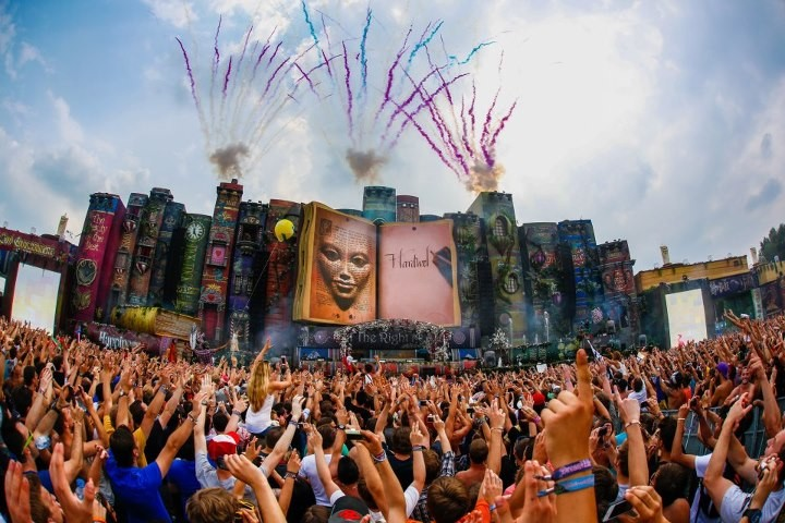 tomorrowland-main-stage