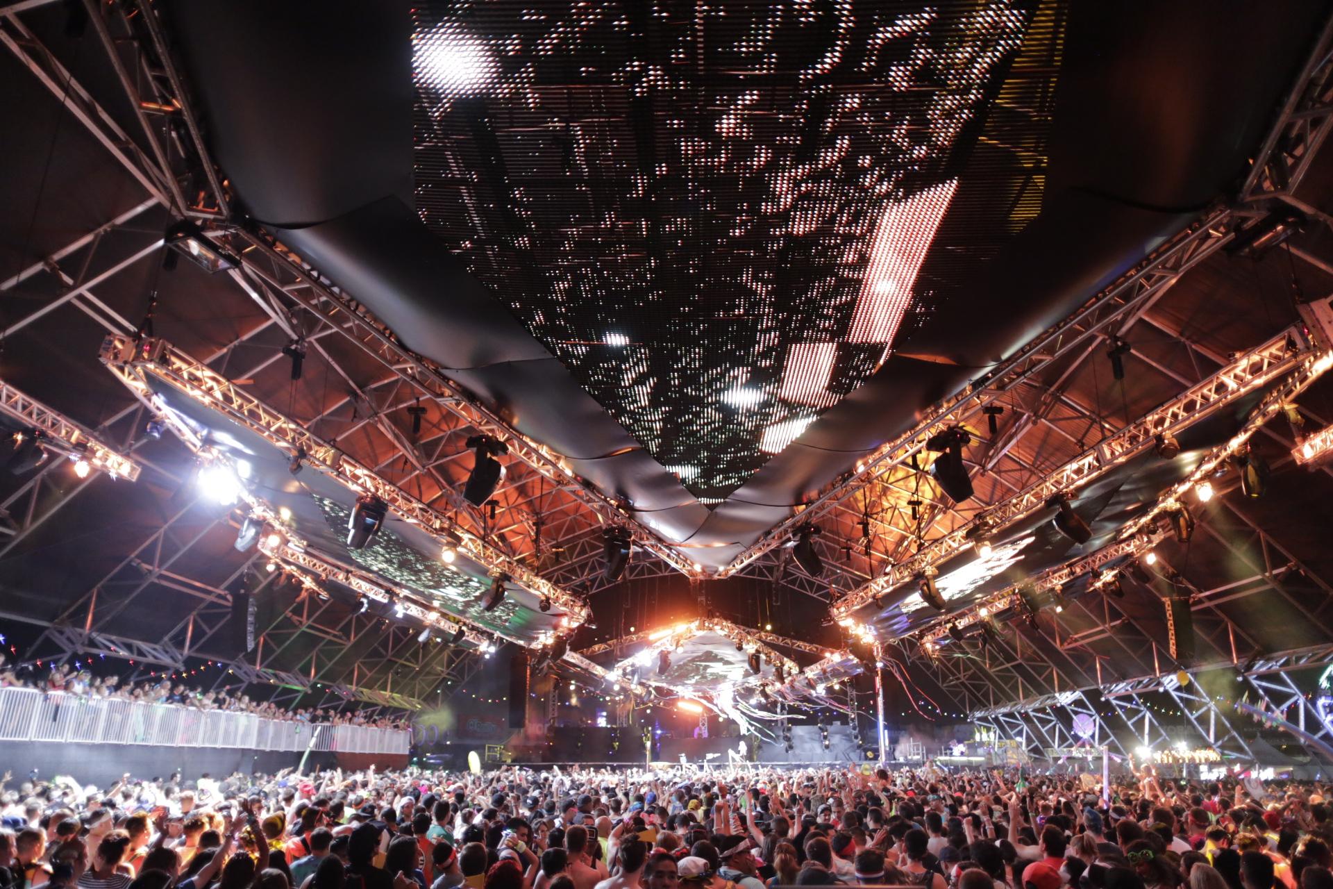 40多张电音舞台灯光设计高清图