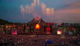 EDM stage design - Tomorrowland 2013 daytime