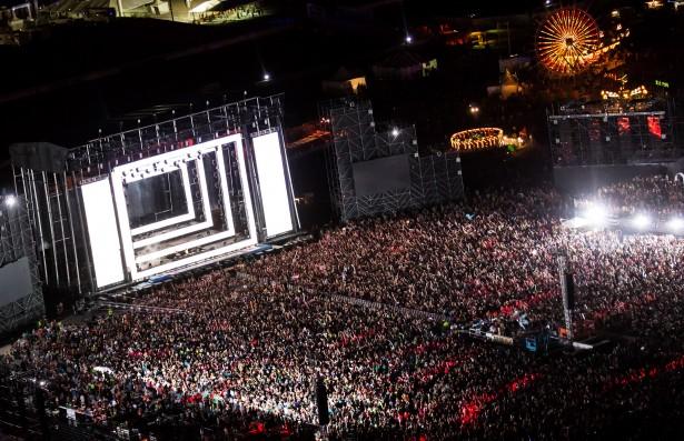 EDM stage design - edc vegas 2012 erick kabik