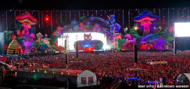 EDM stage design - edc-vegas-mainstage-2013