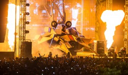 EDM stage design - skrillex spaceship mexico 2012
