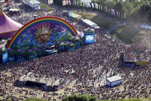 EDM stage design - tomorrowland 2010 2
