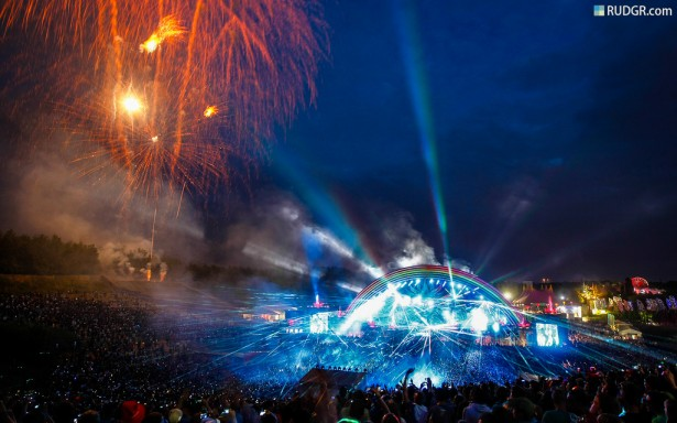 EDM stage design - tomorrowland 2010