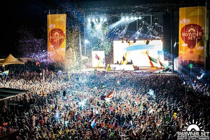 summerset 2015 crowd