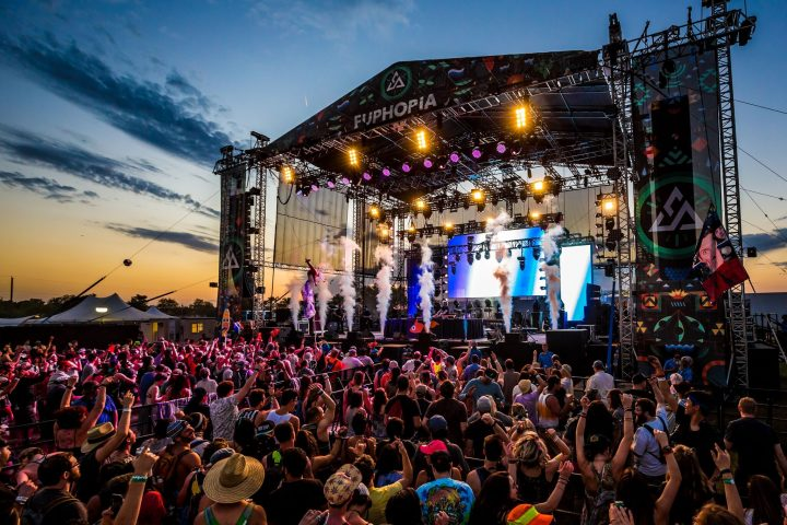 euphoria-music-festival-stage-atmosphere