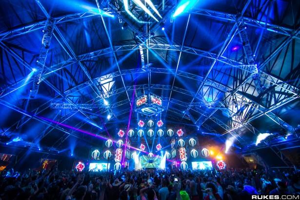 EDM stage design - coachella sahara tent 2013