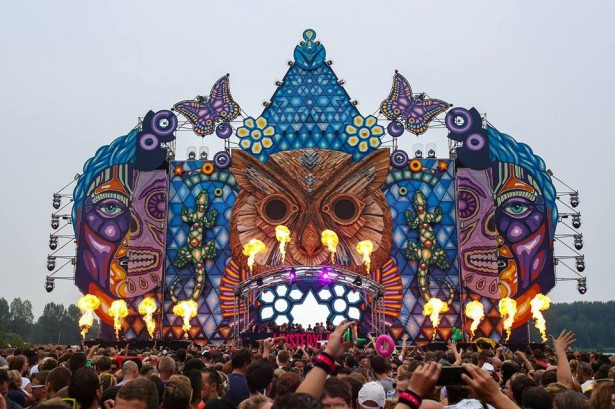 EDM stage design - mysteryland 2013 holland