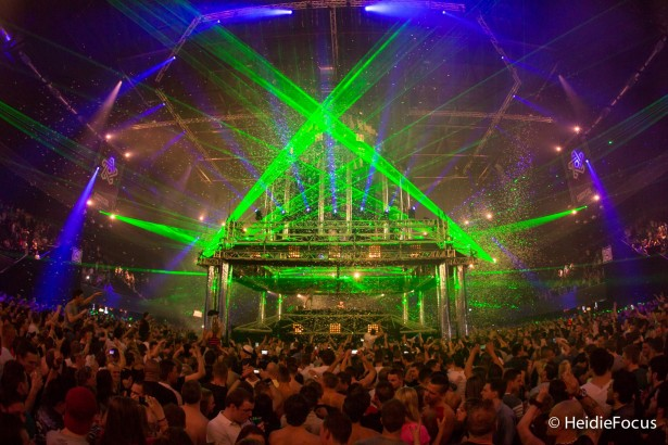 EDM stage design - qapital qdance