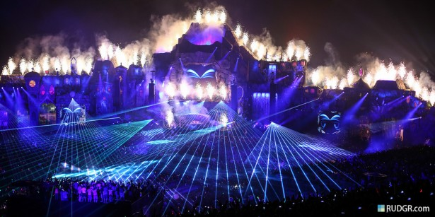 EDM stage design - tomorrowland 2013 night