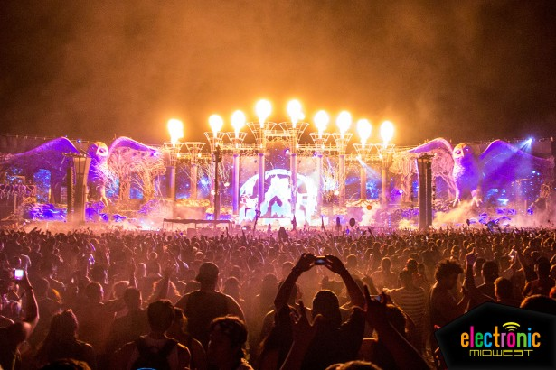 First Look The Elaborate Stages Of Edc Las Vegas 2014