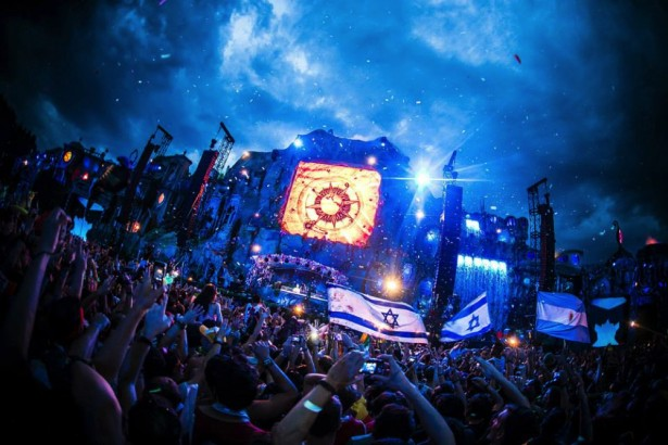 TomorrowWorld 2014 main stage preview 1