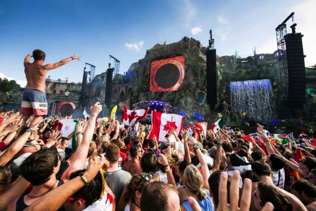 TomorrowWorld 2014 main stage preview 3